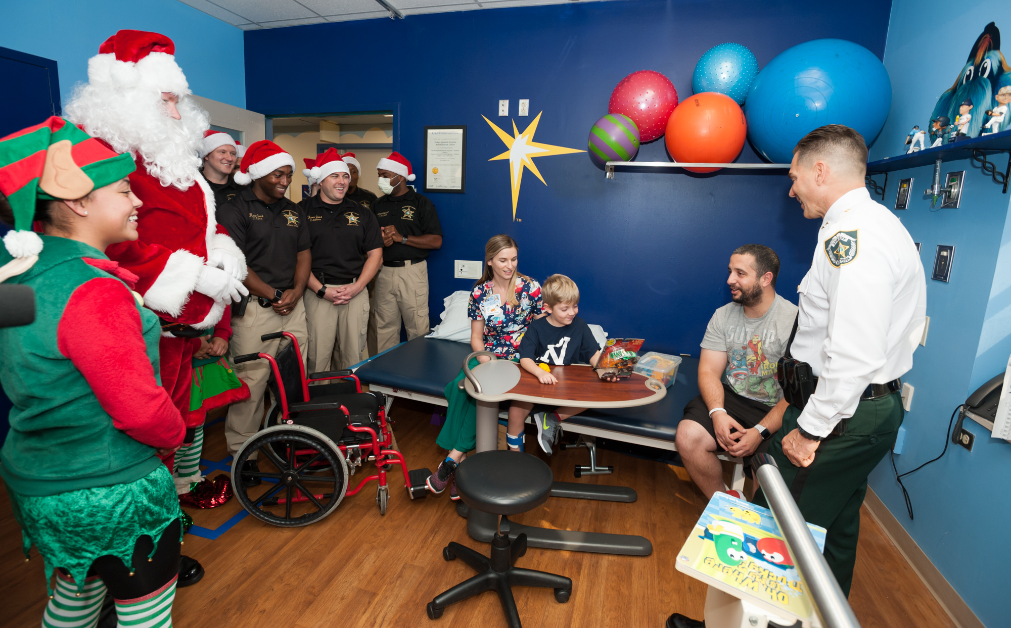 Hillsborough County Sheriff's Office visiting the Children's Medical Center