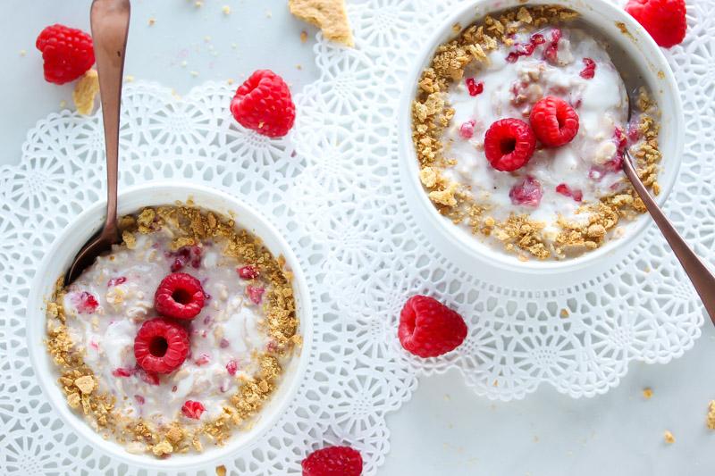 Raspberry Cheesecake Overnight Oats
