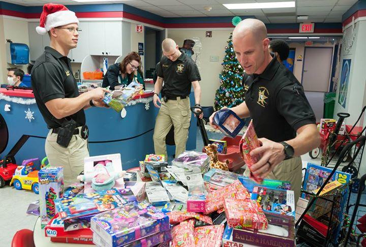 Hillsborough County Sheriff's Office visiting the Children's Medical Center