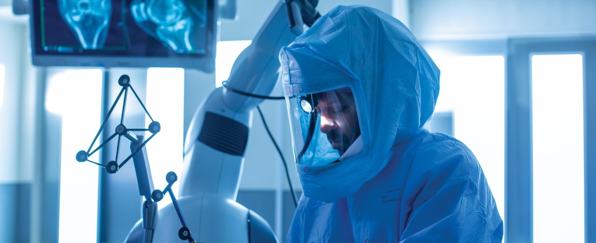 TGH orthopedic surgeon performing surgery
