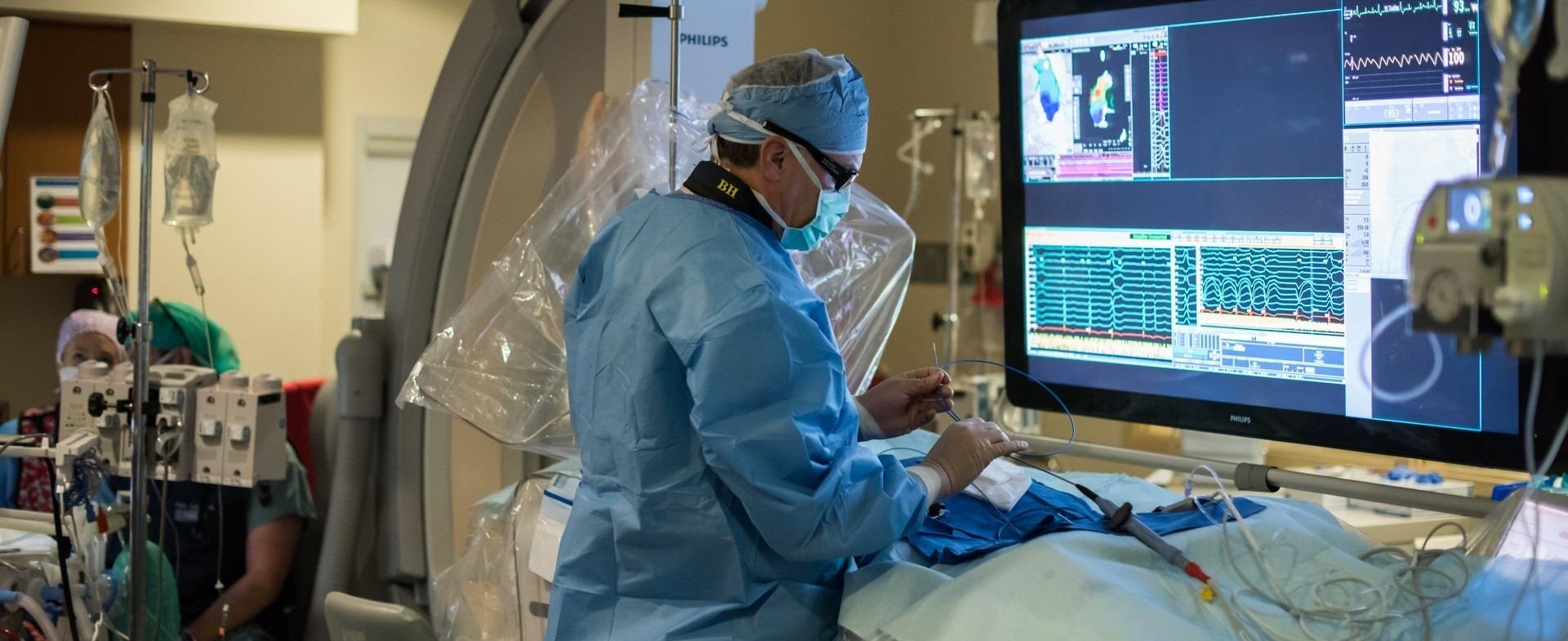 Surgeon performing atrial fibrillation (AFib) procedure