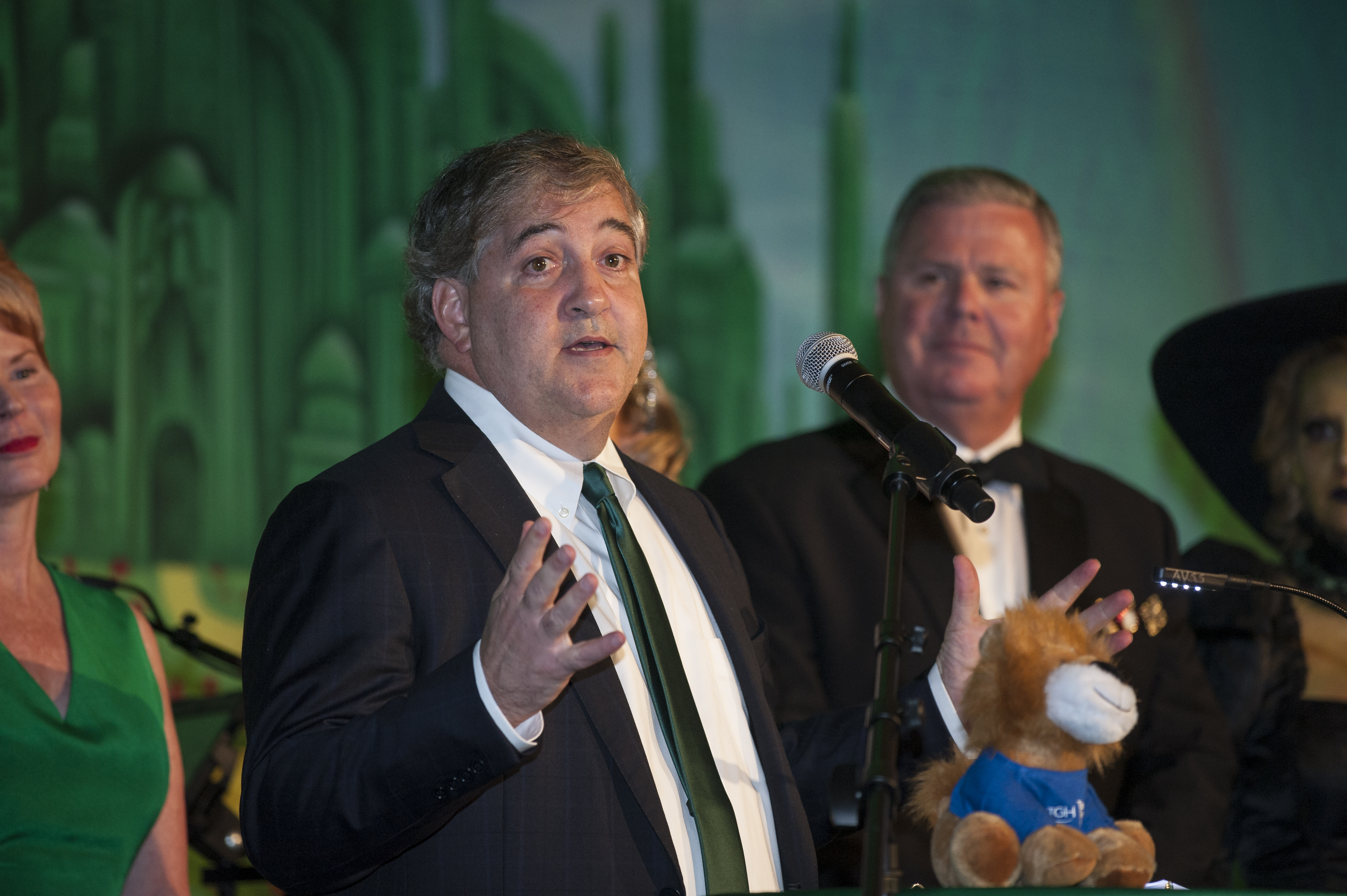 Jeff Vinik speaks as ceremonies begin during the 2017 TGH Foundation gala fundraiser Wizard of Oz production.